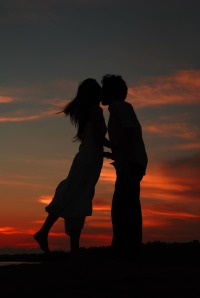 kissing_on_the_sunset_by_jei_hun