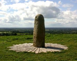 Stone_of_Destiny_Siva_Lingam_Ireland